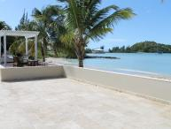 Luxurious Beachfront villa with 6 bedrooms & private pool