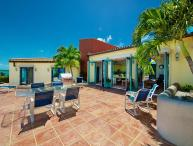 Aqua Pulchra - Ideal for Couples and Families, Beautiful Pool and Beach