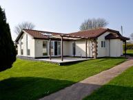 Honeysuckle, Stoneleigh Village located in Sidmouth, Devon