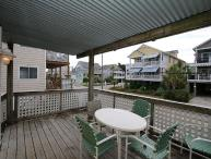Klutz -  Enjoy your vacation at this centrally located condo in Beach Haven