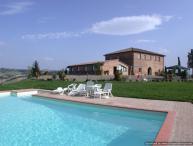 Laurent Estate - Due farmhouse rental Buonconvento