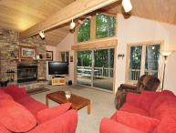 Wonderful 5 Bedroom Lakefront home with outdoor hot tub & private dock!
