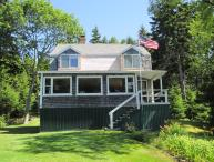 THANKFULNEST | EAST BOOTHBAY MAINE | OCEAN POINT | COOL OCEAN BREEZES | GRIMES COVE | OPEN OCEAN| WATERVIEWS PUBLIC BEACH & BOAT LAUNCH NEARBY | DOG FRIENDLY | Cottage Connection of Maine Vacation Rentals