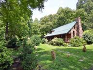 Cherokee Creekside Cabin