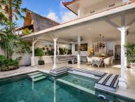 Villa Ozamiz By Bali Villas Rus -EAT STREET VILLA, CLOSE TO SHOP AND BAR
