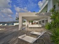 THE REEF... Outstanding New Modern Waterfront Villa, Austoundingly Affodable Luxury!!