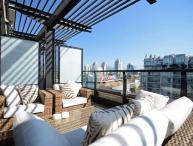 Executive 1 Bedroom Condo with Waterviews