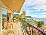 Amazing Vista Mar Penthouse, Great for Party, in the heart of Jaco Beach!