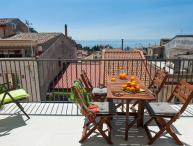 Taormina Apartment for Two Couples with Private Terrace - Casa Bella