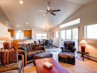 3 BR/ 2.5 BA warm and inviting vacation home, sleeps 9, private hot tub, pet friendly