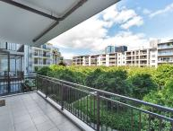 Two Bedroom Sunny Apartment in Viaduct Area of Auckland Overlooking Private Park.