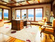 Escape to Neverland! Room for 30 ~ An Alaskan Estate for Perfect for Families!