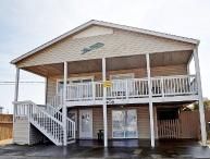 Shore's Bliss - Magnificent Oceanfront View, Cheerful Decor, Favorable Location