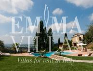 Villa in the Tuscan Hills with Panoramic Views