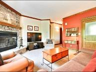Perfect for Nature Lovers - Tastefully Decorated & Conveniently Located (6094)