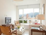 Bright 2 Bedroom Apartment in Ipanema