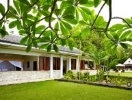 Golden Eye Fleming Villa - Ideal for Couples and Families, Beautiful Pool and Beach