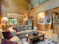 Bear Lodge- Mountain home near hiking+waterfalls