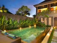 M & D Guest House By Bali Villas Rus -EAT STREET VILLA IN CENTRAL SEMINYAK