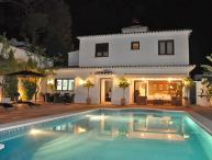 Villa with Pool and relax area direct in Marbella