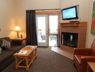 Banff Hidden Ridge Resort 2 Bedroom + Loft Condo (3 Queens)