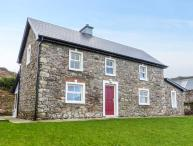 OAK WOOD HOUSE, detached, wonderful views, en-suite, stoves, garden, Kenmare, Ref 929939