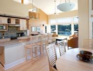 Sunshine Coast Painted Boat Luxury Upper Lofted 2 Bedroom Condo