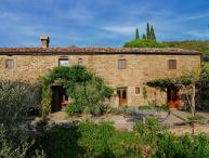 Large Stone Farmhouse in the Hills Near Cortona - Villa Eleonora