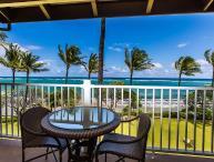 Kapaa Shore Resort #308, Oceanfront, Moon Rise & Sunrise views from 3rd floor