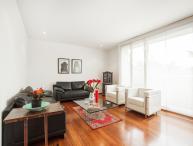 Luminous 2 Bedroom Apartment in Rosales