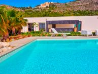 Sciacca villa with pool and sea view