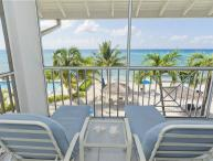 2 Bedroom 2 Bathroom Ocean Front Condo #18
