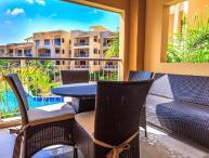 Ocean View 2-Bedroom with Resort Pool