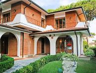 5 bedroom Villa in Forte dei Marmi, Versilia, Lunigiana and sourroundings, Italy : ref 2300044
