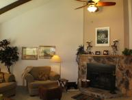 Aspenwood 4253 is a warm and inviting vacation condo located in the Pagsoa Lakes.