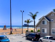February Special $189/night! Modern beach condo, 1 house to beach & Newport pier, w/AC & parking!