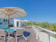 3 bedroom villa with sweeping sunrise views over the ocean