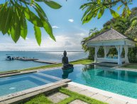 Absolute waterfront villa Selamanya w. speed boat