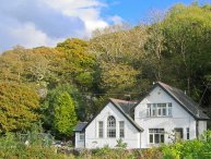 IS Y DERI, woodburner, enclosed garden, large family cottage near Harlech, Ref 935061