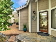 Beautiful Beachy Home with Private patio & hot tub, community pool & tennis courts.