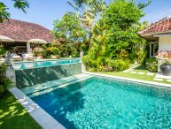 Ideal location 6 bdrs villa Canggu - Villa Sembira