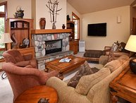 This Vail Vacation home is located on the town of Vail`s shuttel to Vail Village.