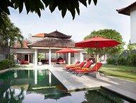 3 BR Tropical Garden Villa, Legian>