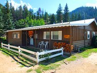 Ski Lope Lodge - Single-level Home in Town, WiFi, Satellite TV, King Beds, Washer/Dryer