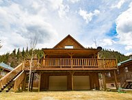 The Bunkhouse - Private Home in Tenderfoot, Covered Porch, Satellite TV, Washer/Dryer, Garage, WiFi