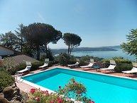 4 bedroom Villa in Passignano sul Trasimeno, Umbria, Italy : ref 2284828