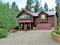 ForestView: Mountain solitude in a pet-friendly home with a large fenced yard bordering the National Forest