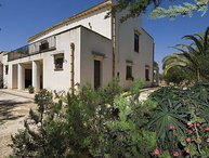 4 bedroom Villa in Sciacca, Sicily, Italy : ref 2268997