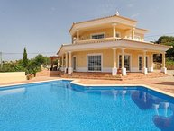 4 bedroom Villa in Loule, Algarve, Portugal : ref 2291332