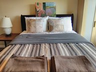 Furnished 4-Bedroom Apartment at Grand Ave & Mandana Blvd Oakland